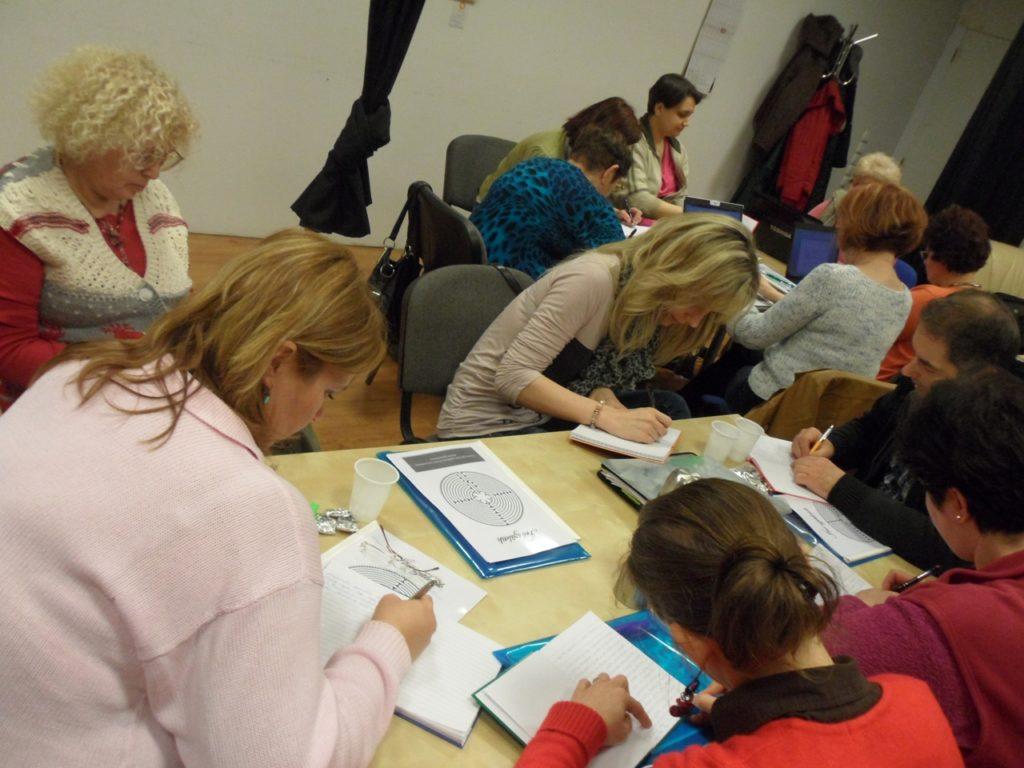 Jobb agyféltekés kreatív írás tanfolyam 2013. 04. 06-07. - Folyik a munka